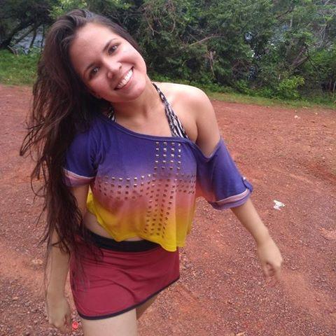 Letícia  Caminha