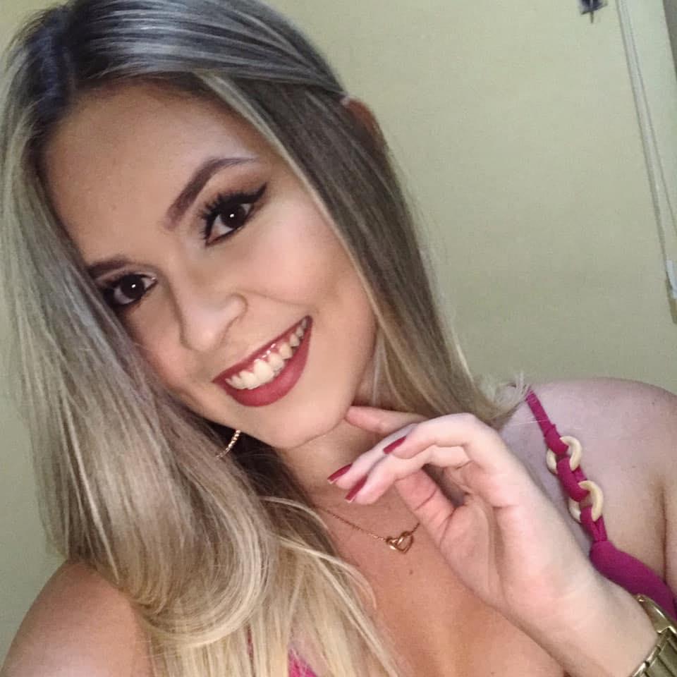 Nágella  Santiago