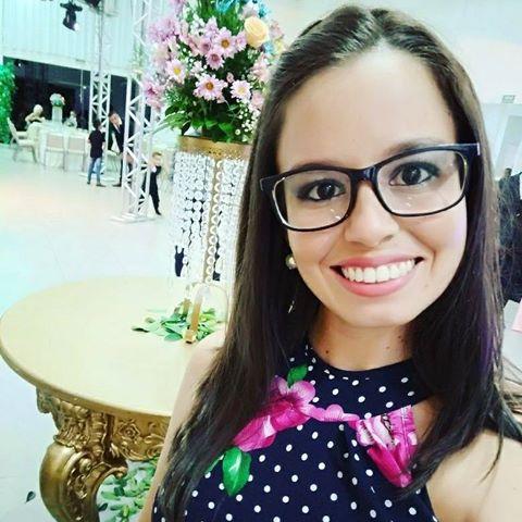 Bruna  Mariano Lyra