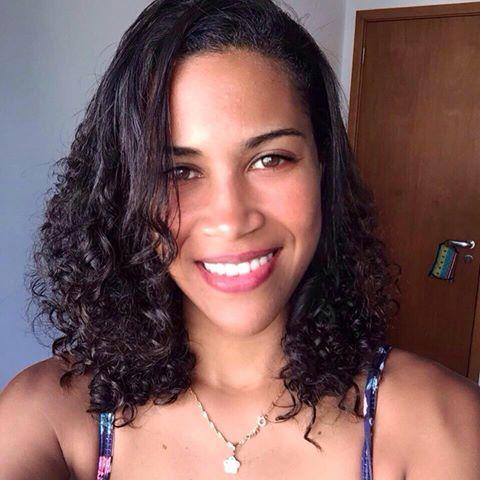 Mayara  Cristina Leal
