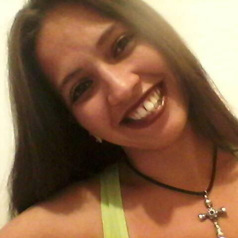 Claudia  Dos Passos