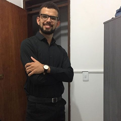 Arão  Vargas