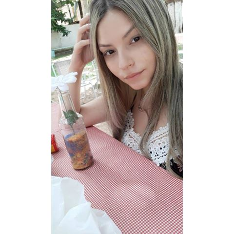 Nathália  Sabrina