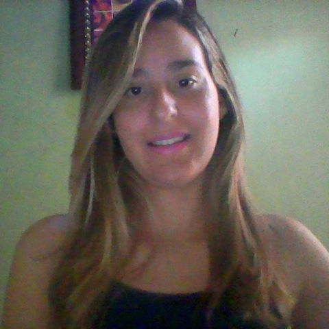 Paloma  Correia