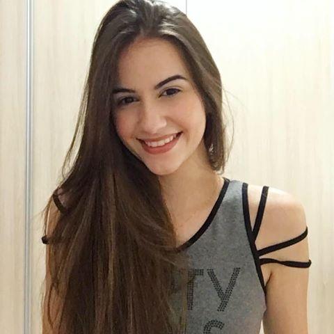 Ana Júlia  Coelho Ferraro
