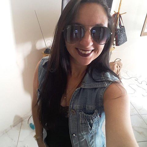 Lília  Gomes Flôr