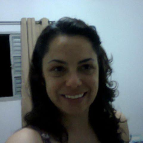 Isabelle  Santos