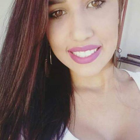 Suzane  Almeida