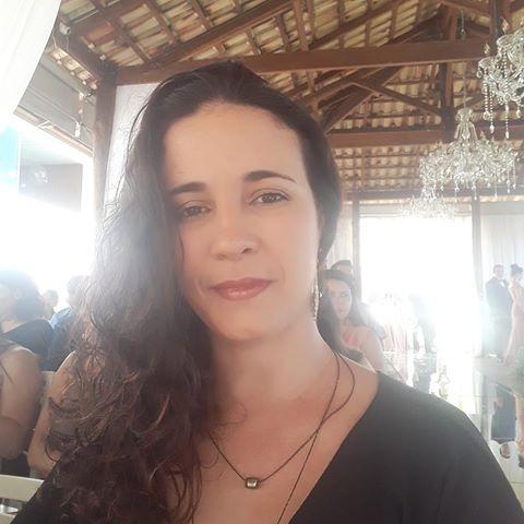 Mônica  Kelly