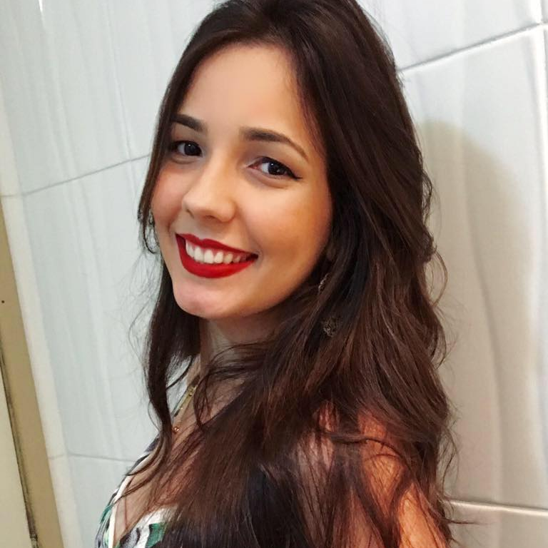 Carine  Menezes