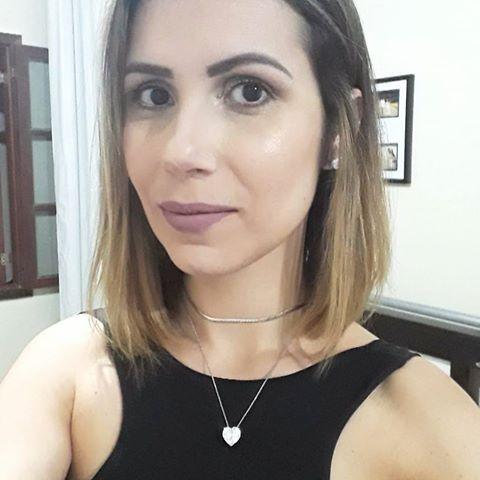 Camila Prata de Souza