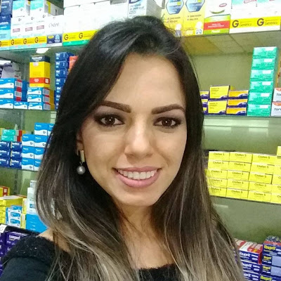 Dra. Lívia Alana